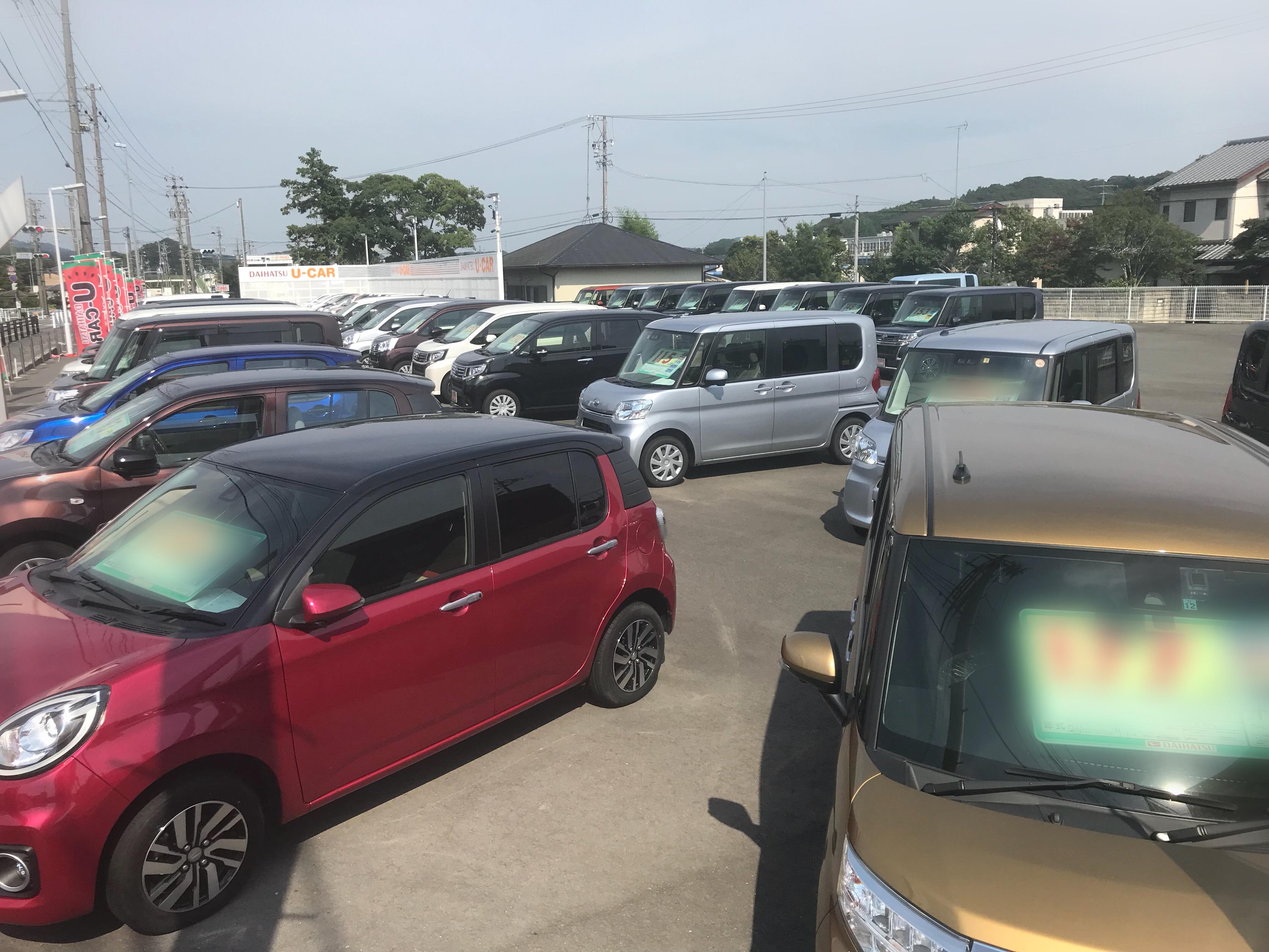 静岡ダイハツ随一の展示車台数をご用意しております。